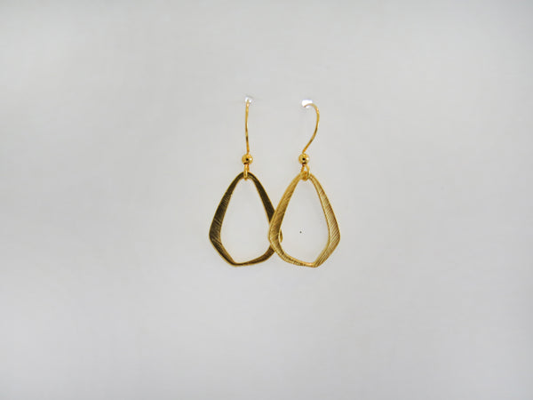 Earring {Hammered Oval Drop}