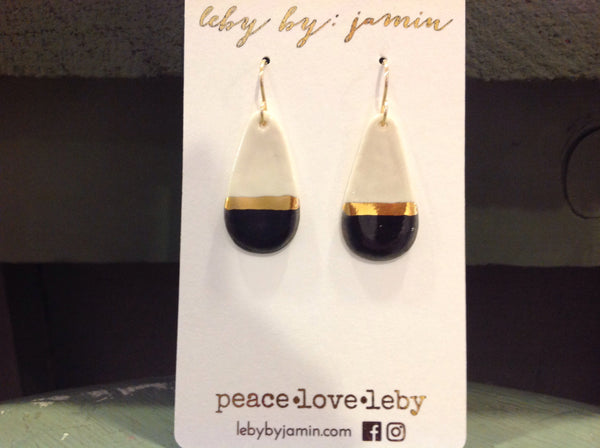 Medium Teardrop Earring