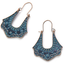 Load image into Gallery viewer, Coquillage Classic Earrings