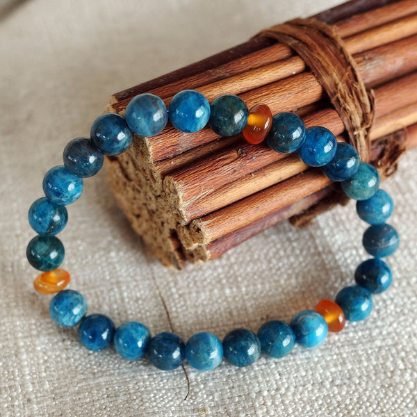 Akiki™ Apatite Bracelet for Inspiration • Ambition • Passion - Elastic - Natural crystals - Customizable - Free jewelry pouch - Saatwa