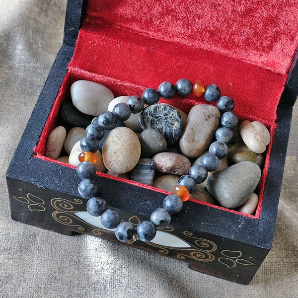Akiki™ Labradorite Bracelet for Limitless Potential • Awareness • Light - Elastic - Natural crystals - Customizable - Free jewelry pouch - Saatwa