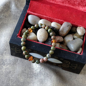 Akiki™ Unakite Bracelet for Gratitude • Positivity • Openess - Elastic - Natural crystals - Customizable - Free jewelry pouch - Saatwa