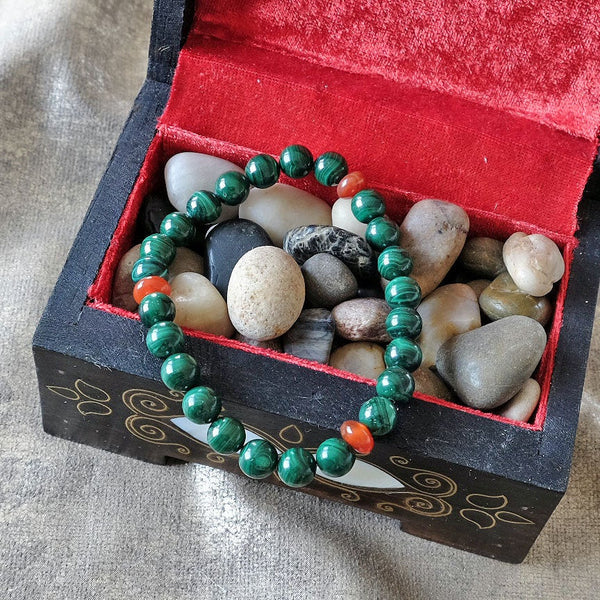Akiki™ Malachite Bracelet for Transformation • Change • Reflection - Elastic - Natural crystals - Customizable - Free jewelry pouch - Saatwa