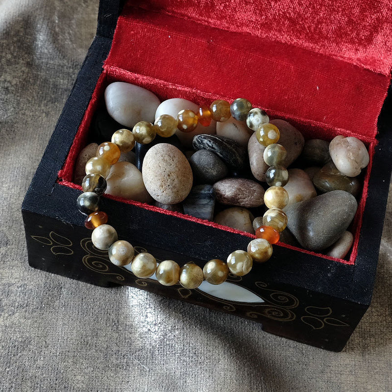 Akiki™ Fire Agate Bracelet for Strength • Balance • Confidence - Elastic - Natural crystals - Customizable - Free jewelry pouch - Saatwa