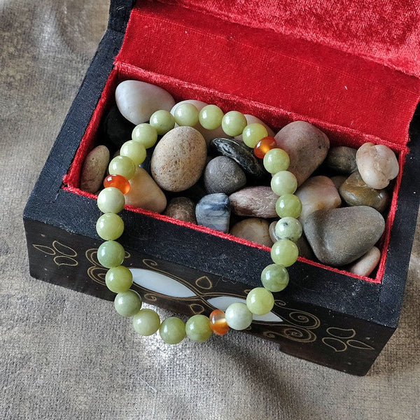 Akiki™ Peridot Bracelet - Elastic natural healing crystal bracelet - Customizable in length and bead size - Free jewelry pouch - Saatwa