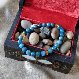 Bracelet to find inspiration - Apatite crystal - Inspiration • Ambition • Passion - Elastic - Customizable  - Free pouch - Saatwa