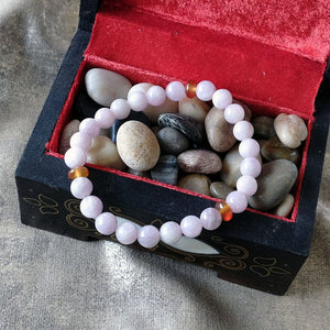 Akiki™ Kunzite Bracelet - Elastic natural healing crystal bracelet - Customizable in length and bead size - Free jewelry pouch - Saatwa