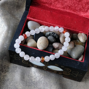 Akiki™ Taurus Zodiac  Bracelet - Elastic - Rose quartz crystal - Customizable in length and bead size - Free jewelry pouch - Saatwa