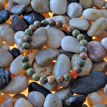 Load image into Gallery viewer, Akiki™ Unakite Bracelet for Gratitude • Positivity • Openess - Elastic - Natural crystals - Customizable - Free jewelry pouch - Saatwa