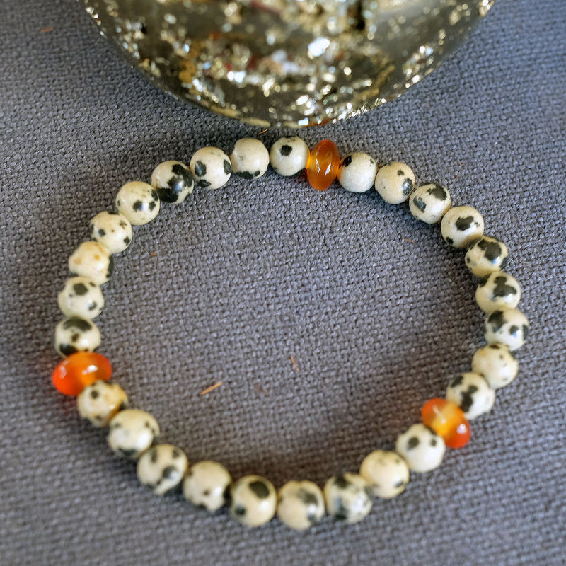 Akiki™ Dalmatian Jasper Bracelet - Elastic natural healing crystal bracelet - Customizable in length and bead size - Free jewelry pouch - Saatwa