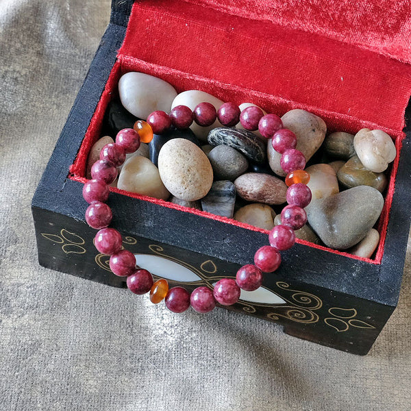 Akiki™ Rhodonite Bracelet for Forgiveness • Love • Emotional Healing - Elastic - Natural crystals - Customizable - Free jewelry pouch - Saatwa