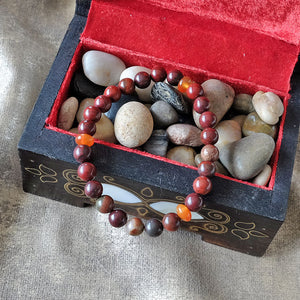 Akiki™ Red Jasper Bracelet for Stability • Foundation • Action - Elastic - Natural crystals - Customizable - Free jewelry pouch - Saatwa