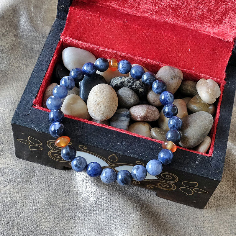 Bracelet for Trust • Harmony • Communication - Akiki™ Natural Sodalite crystals - Customizable in length and bead size - Free jewelry pouch - Saatwa