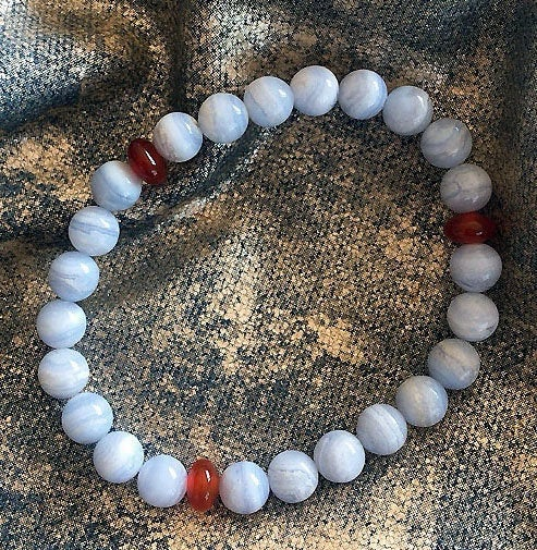 Akiki™ Blue Lace Agate Bracelet for Truth • Stress Relief • Calm - Elastic - Natural crystals - Customizable - Free jewelry pouch - Saatwa