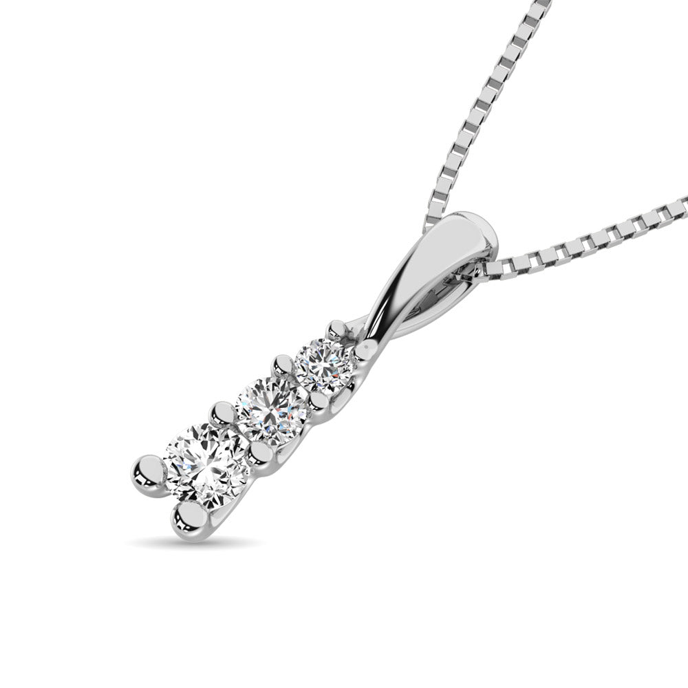 10K White Gold 1/6 Ct.Tw. Diamond Fashion Pendant