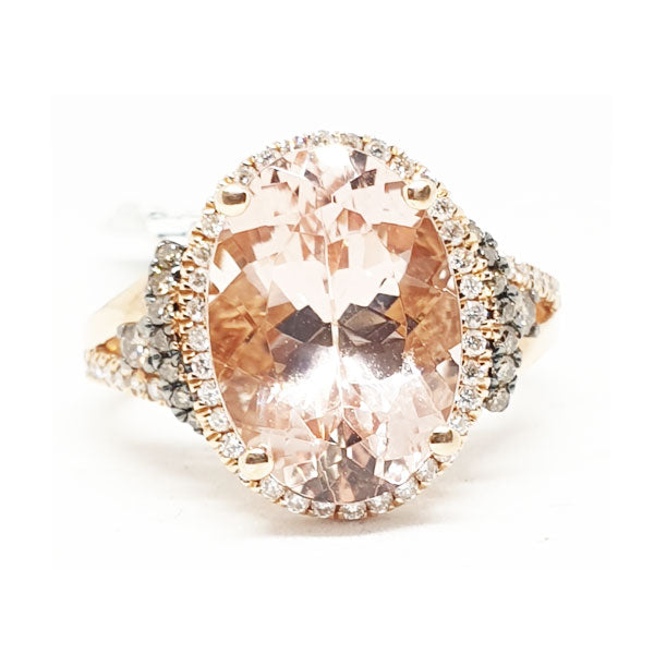 14kt Rose Gold Ring with Oval Shape Morganite 5.49cts & 0.27ct Round Brilliant Cut Diamonds & 0.14ct Chocolate Brown Diamonds
