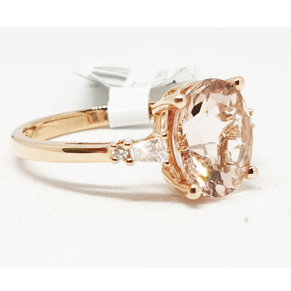 14kt Rose Gold Ring with Oval Shape Morganite 2.23cts & 0.10ct Round Brilliant Cut Diamonds