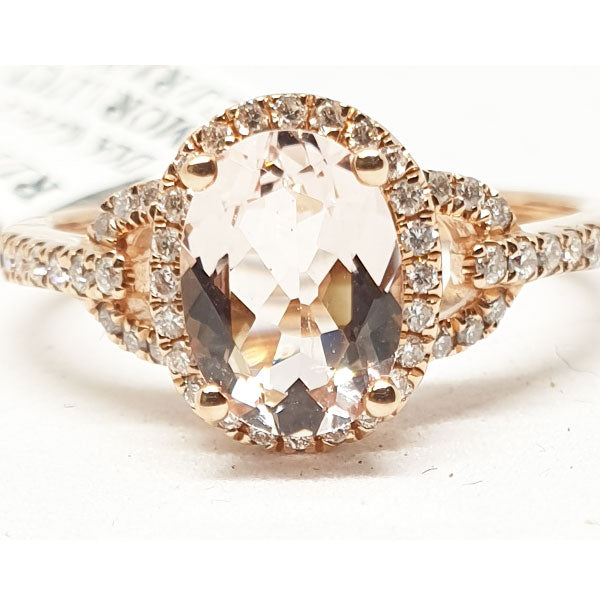 14kt Rose Gold Ring with Oval Shape Morganite 1.17cts & 0.21ct Round Brilliant Cut Diamonds