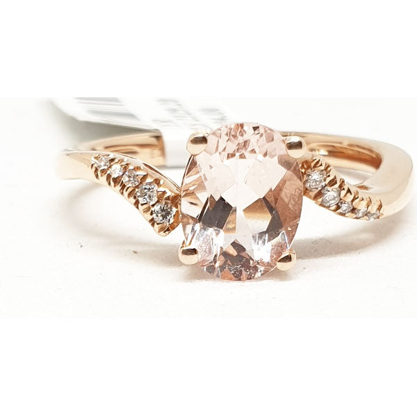 14kt Rose Gold Ring with Oval Shape Morganite 1.22cts & 0.05ct Round Brilliant Cut Diamonds