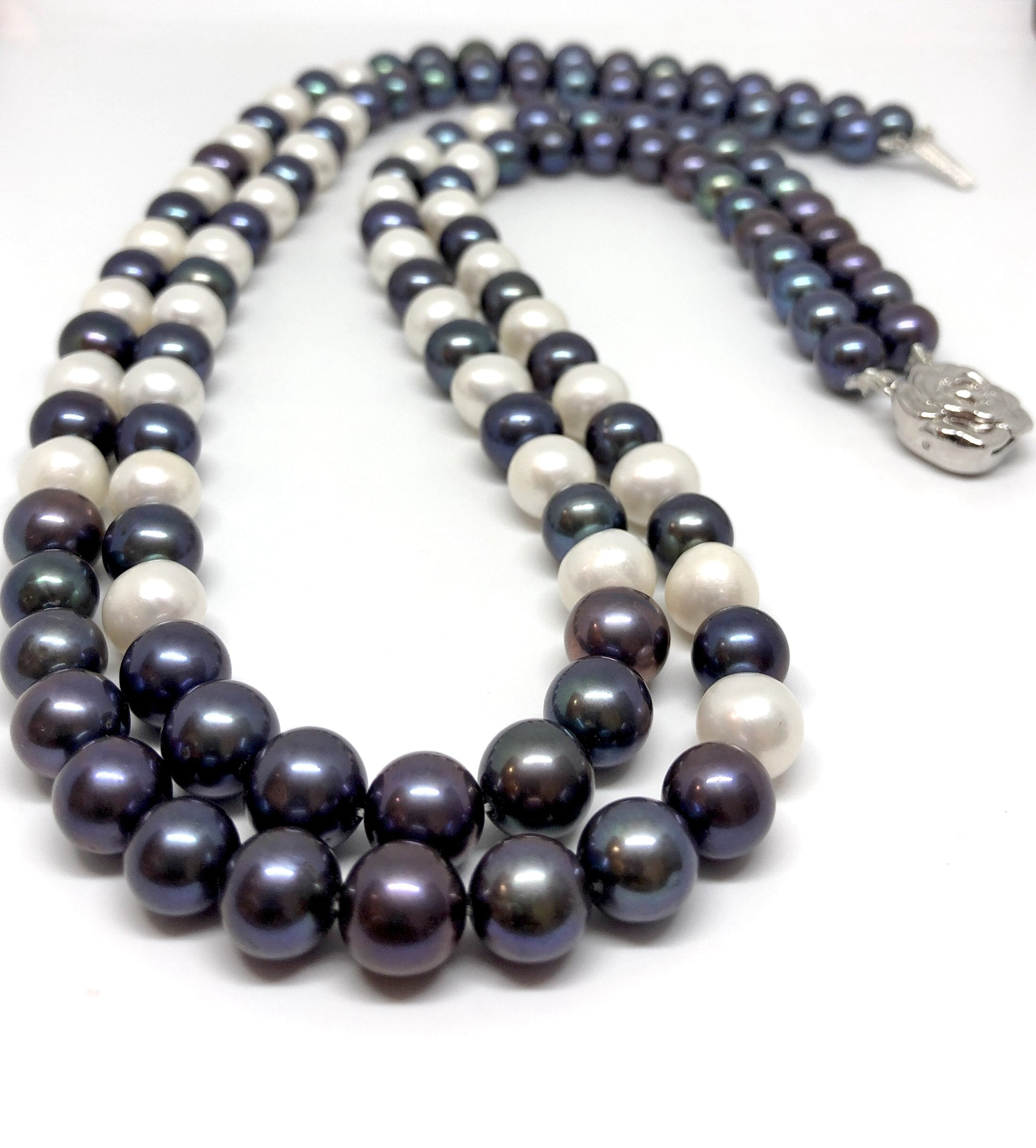 Grey White Pearls Necklace/026