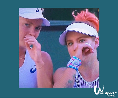 Bethanie Mattek Sands and Coco Vandeweghe strategize during Indian Wells