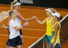 Bethanie Mattek-Sands and Coco Vandeweghe with the Australian fed cup team