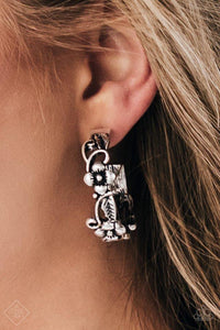 Paparazzi Earrings - Garden County - Silver