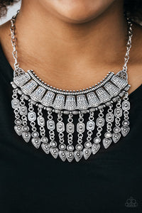 Paparazzi Necklace ~ The Desert Is Calling - Silver