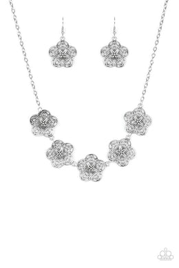 Garden Groove - Silver - Paparazzi Necklace Image