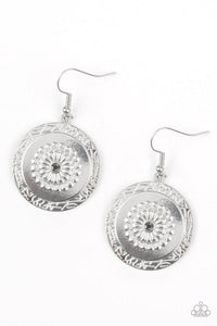 Paparazzi Accessories ~ Peppy Poppy - Silver