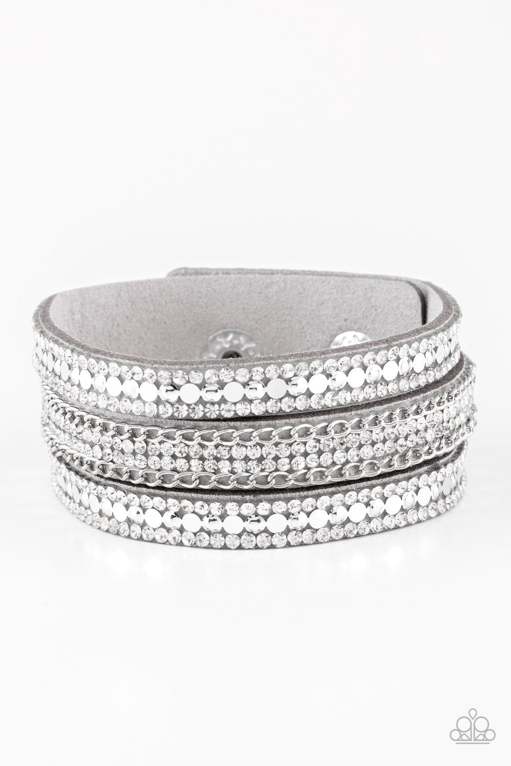 Paparazzi Accessories ~ Fashion Fanatic - Silver