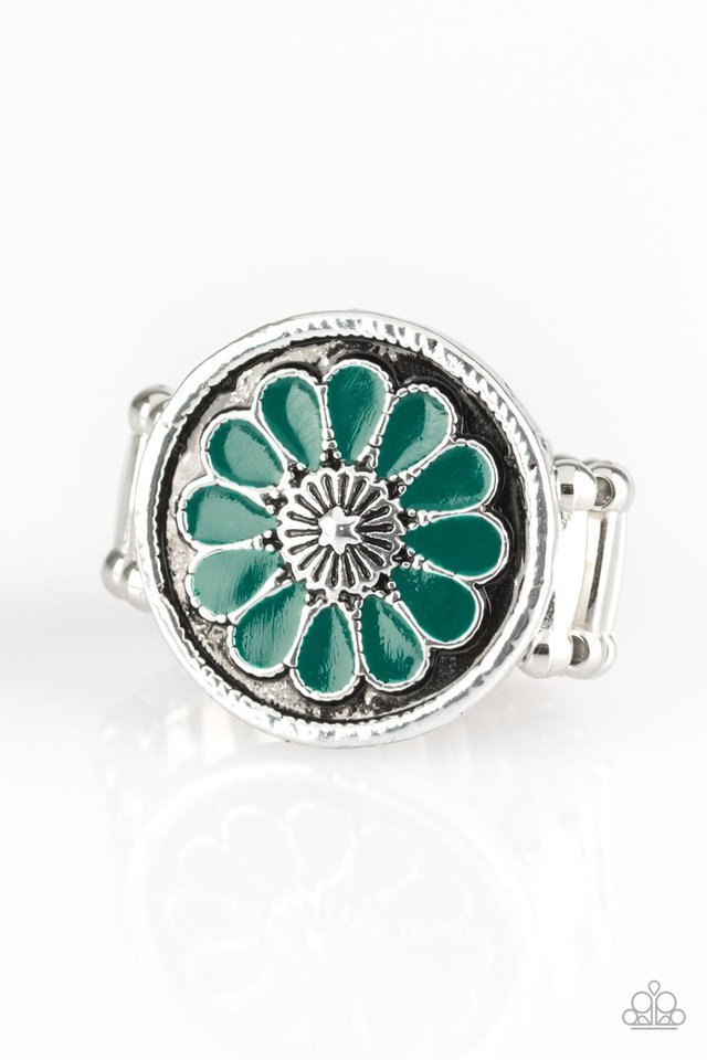 Paparazzi Ring ~ Garden View - Green