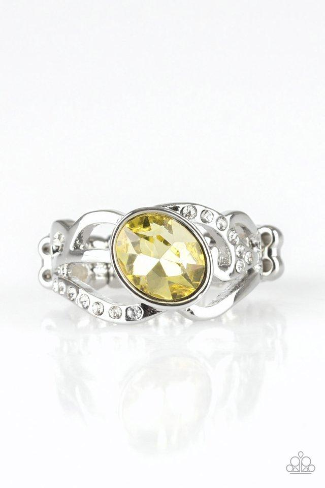 Paparazzi Ring ~ Couldnt Care FLAWLESS - Yellow