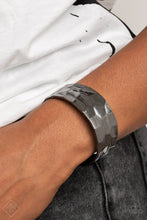 Load image into Gallery viewer, Paparazzi Bracelet ~ Is It HAUTE In Here? - Fashion Fix Nov 2020 - Black
