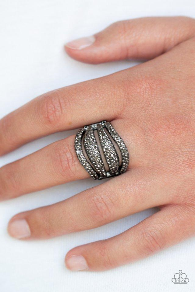 Paparazzi Ring - Roll Out The Diamonds - Black