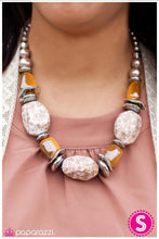Load image into Gallery viewer, Paparazzi Blockbuster Necklace - In Good Glazes - Brown