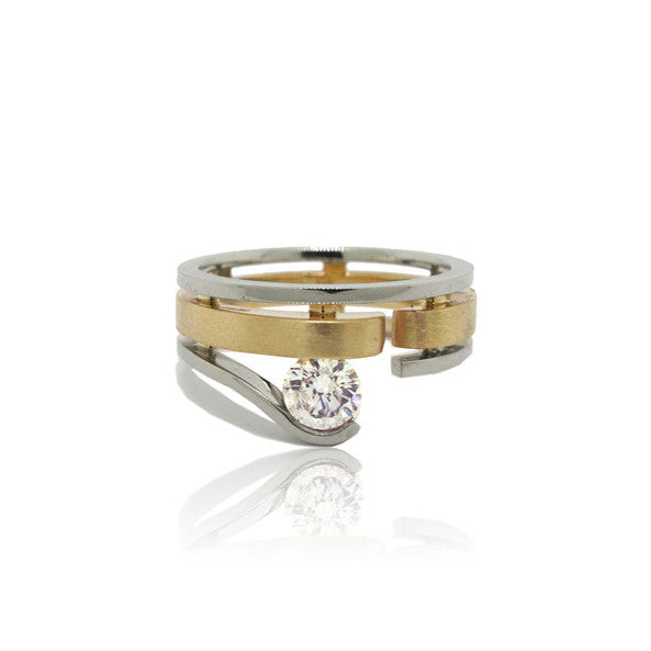 Custom Wedding Ring with Recycled Gold and Centre Diamond