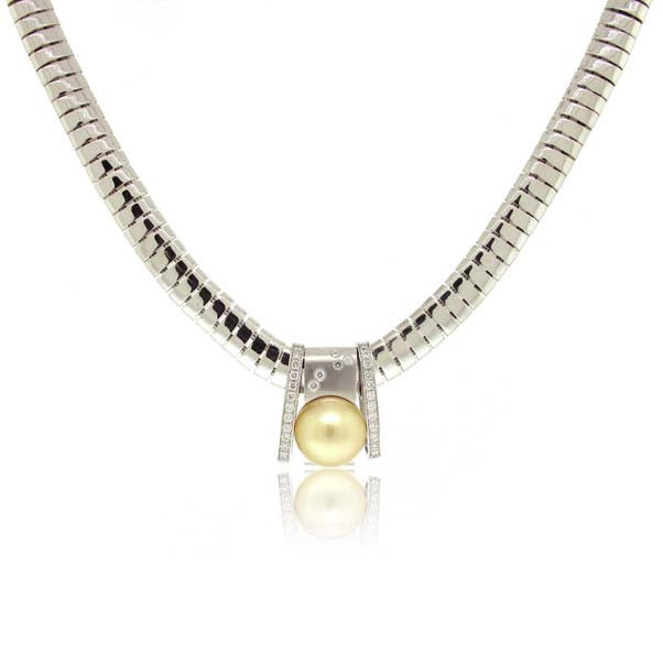 18k White Gold Diamond and Pearl Necklace