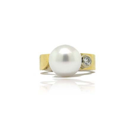 18 k White and Yellow Gold South Sea Pearl Ring