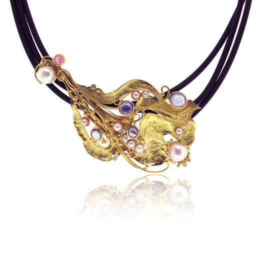 18k Yellow Gold Sapphire and Pearl Necklace