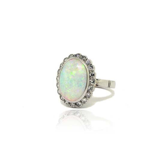 14k White Gold Vintage Opal Ring