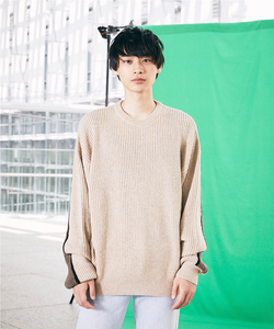 01 Hide and Knit