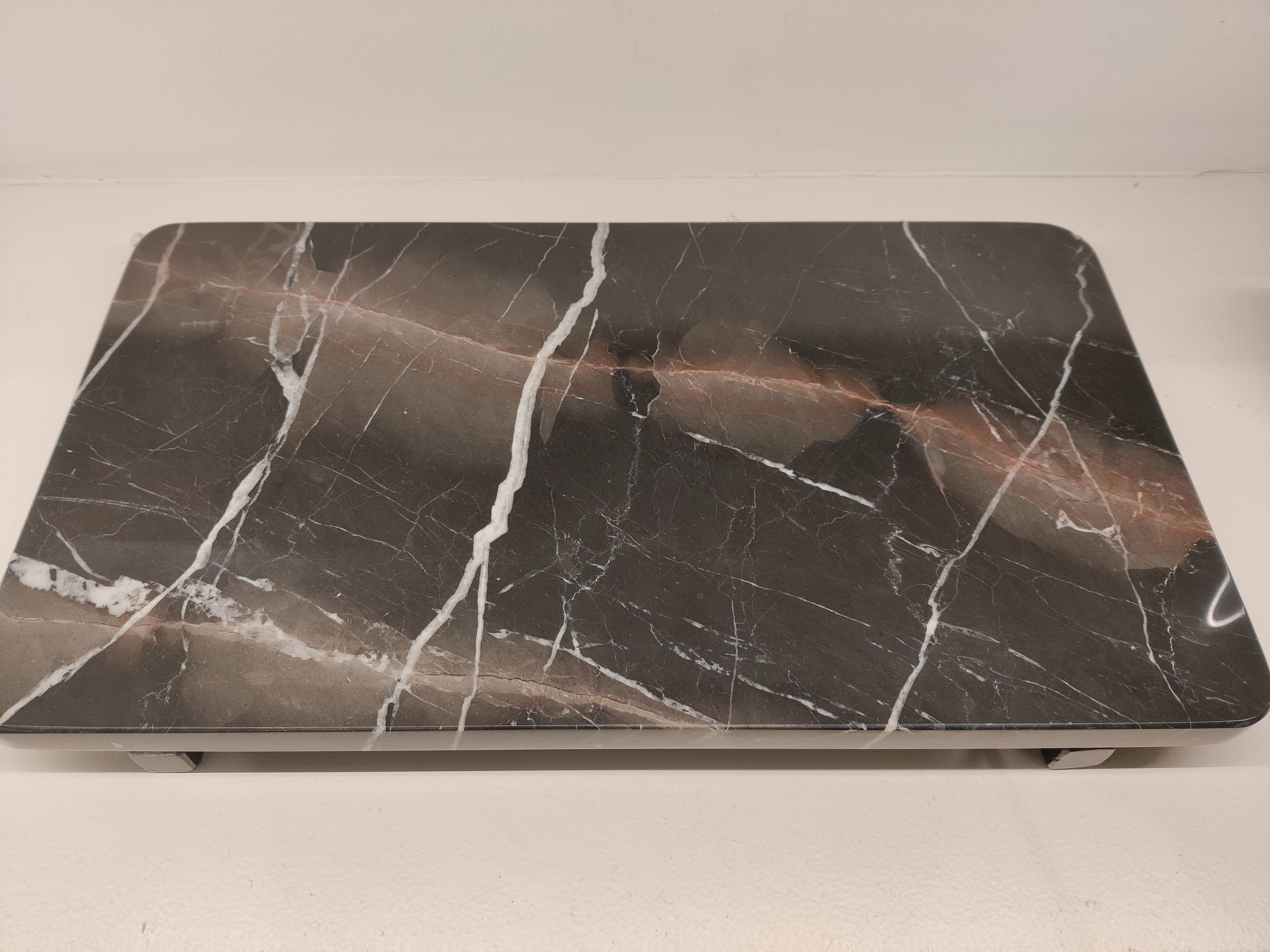 Marble PLate With Pins