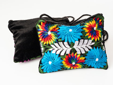Flower embroidered shoulder bag (Medium)