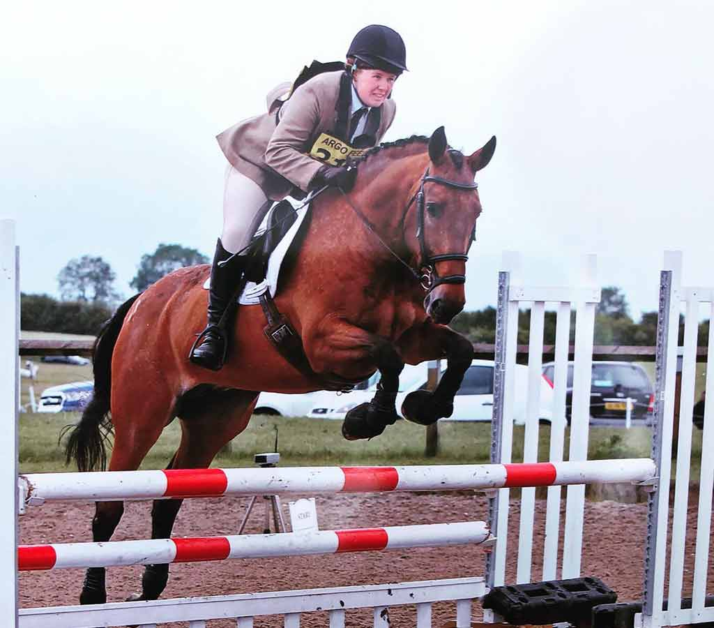 Kevlar Airtechnology Tendon Boots - a day in the life blog showjumping