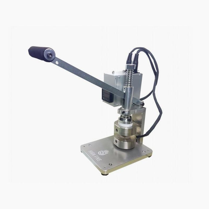 V3 Manual Aluminium press. Pressing plates are 3inches in diameter or 2x4 inches. Easily replaceable heater and press is warrantied for full 1 year.