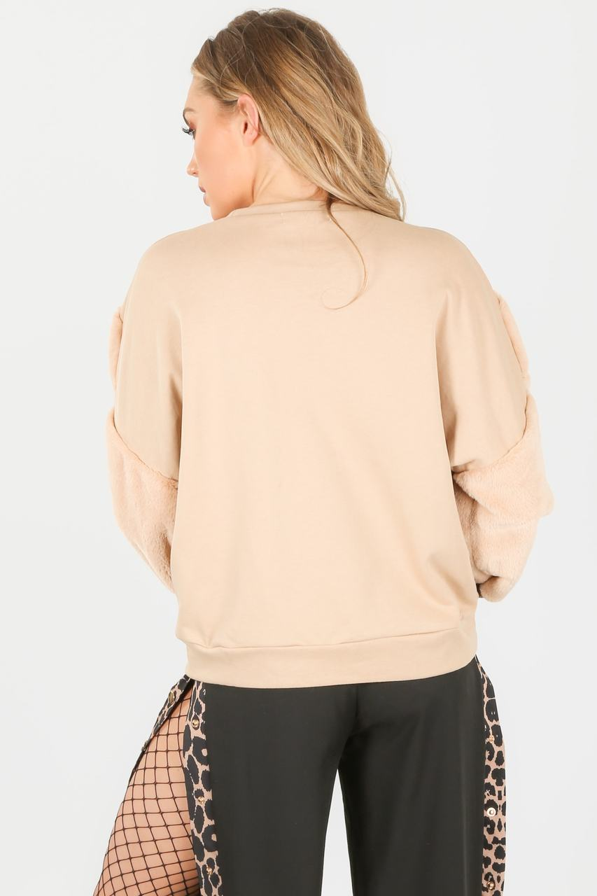 m/371/2206-_faux_fur_sweatshirt_in_beige-5-min__16655.jpg