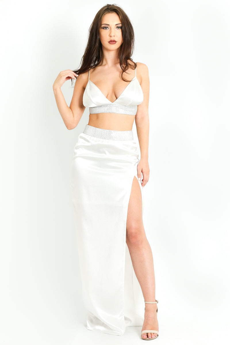 r/410/Embellished_Satin_Triangle_Bralet_In_White-3__92196.jpg