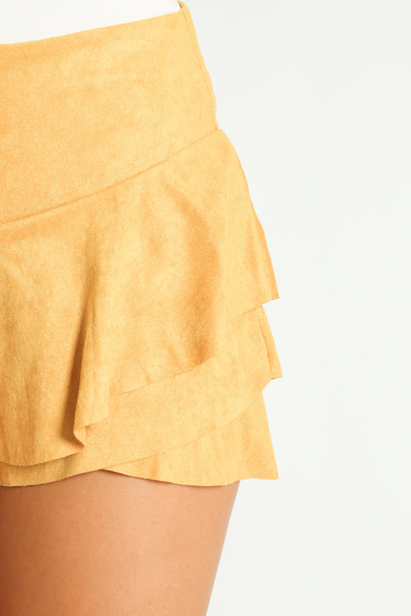 y/050/Faux_Suede_Frilled_Flowing_Skort_In_Mustard-7__18416.jpg