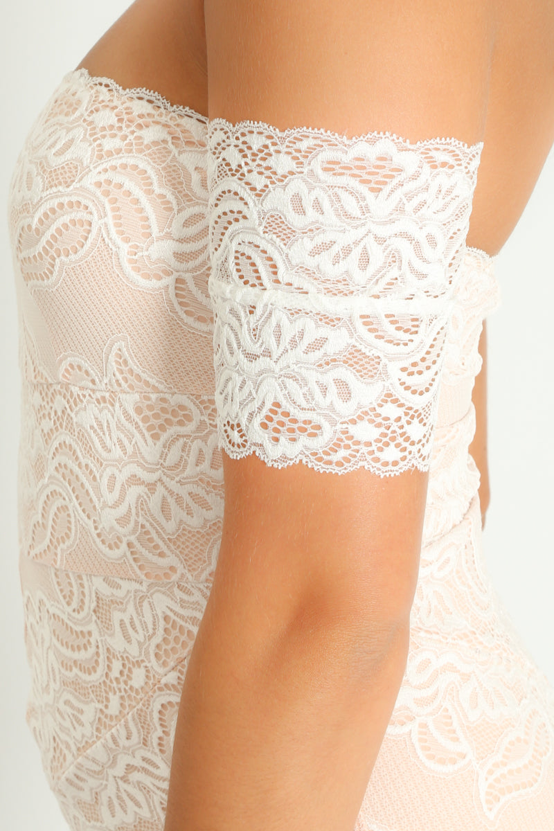 r/324/Off_The_Shoulder_Contrast_Lace_Bodysuit_In_White-6__60728.jpg